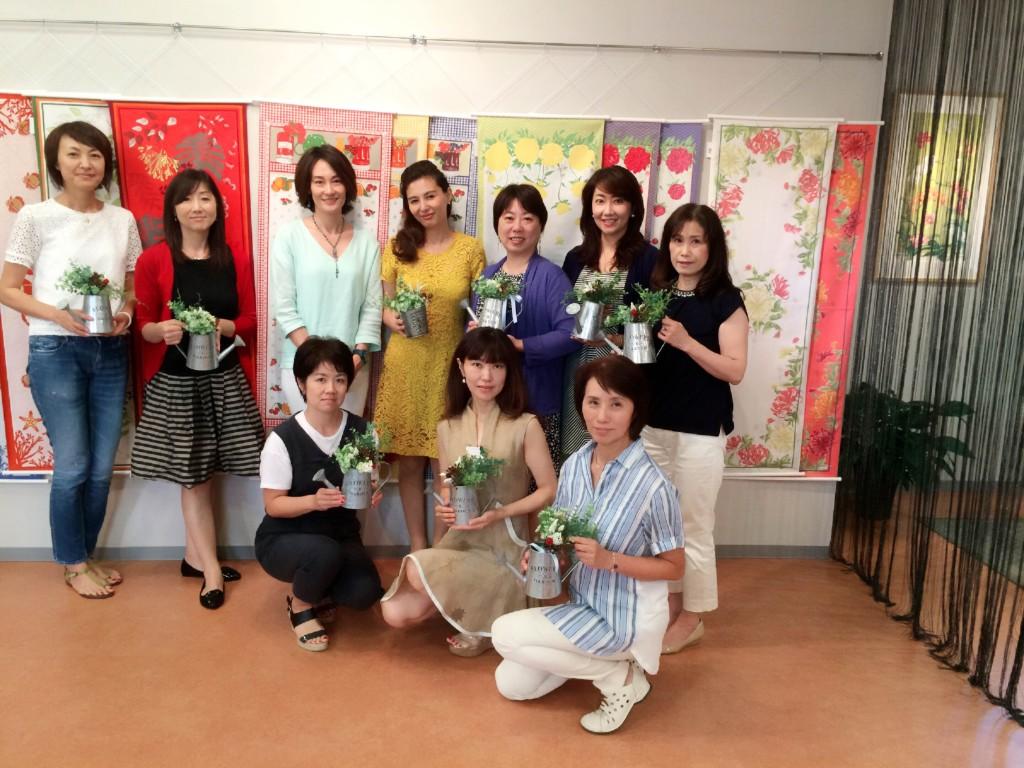 フラワーアレンジと風水のコラボ講座開催しました。